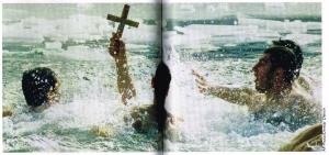 """... """"E in Bulgaria, nel giorno dell'Epifania, giovani cristiani si tuffano nell'acqua gelida per ripescare un crocifisso"""" ..."""